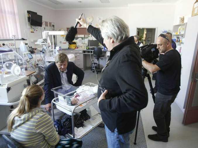 LIFESAVER: Patron of Humpty Dumpty and journalist Ray Martin interviews mum Samantha Durrington at Grafton Base Hospital. Photo: Adam Hourigan / Daily Examiner