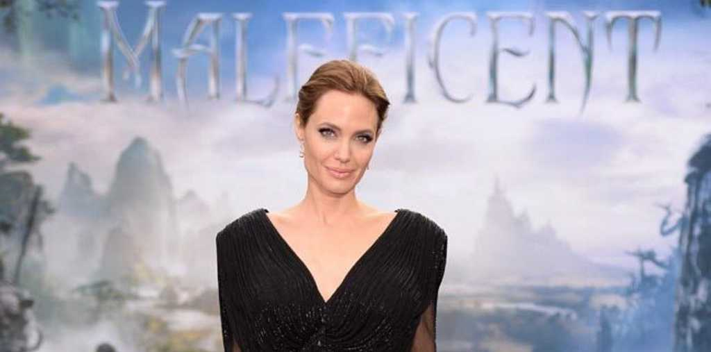 Angelina Jolie Perfected Maleficent Voice Bathing Kids