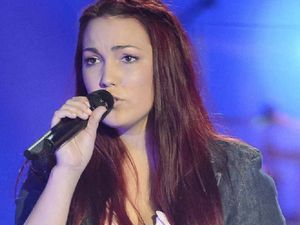 Taila Gouge sings on The Voice