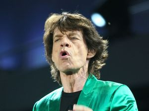 Jagger reportedly takes two girls to hotel room in 48 hours