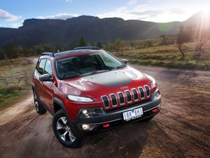 2014 Jeep Cherokee road test review - sleeker and sexier