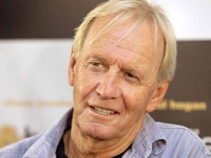 Two Aussie legends will perform in Mackay, one is Paul Hogan