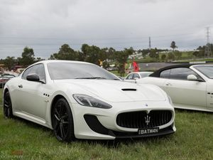 Angry sounds of a 2013 Maserati GranTurismo MC Stradale