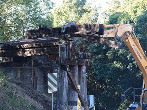 North Lismore rail bridge taken down