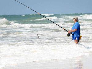 Anglers taking the bait, Rainbow Beach reelin' them in