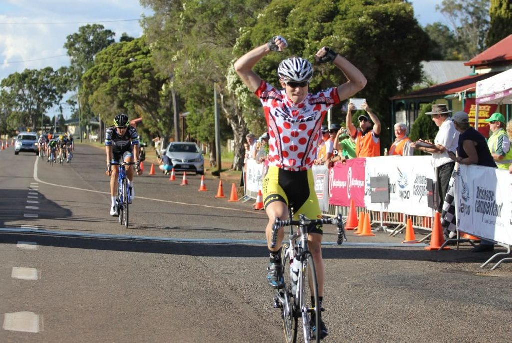 On the finishing line at the Tour de Kumbia.
