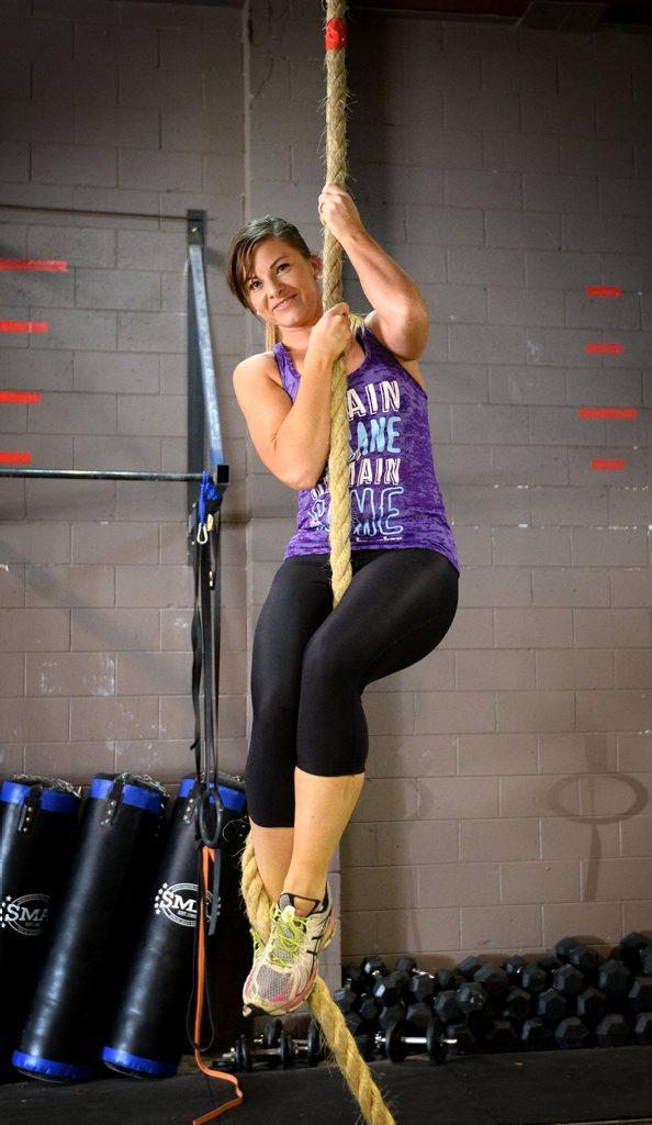 Megan Hawley working out at Crossfit 4701. Photo Allan Reinikka / The Morning Bulletin