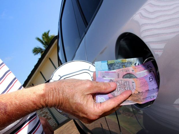 The NRMA is immobilising its member against the Federal Government's moves to reintroduce fuel tax indexation.