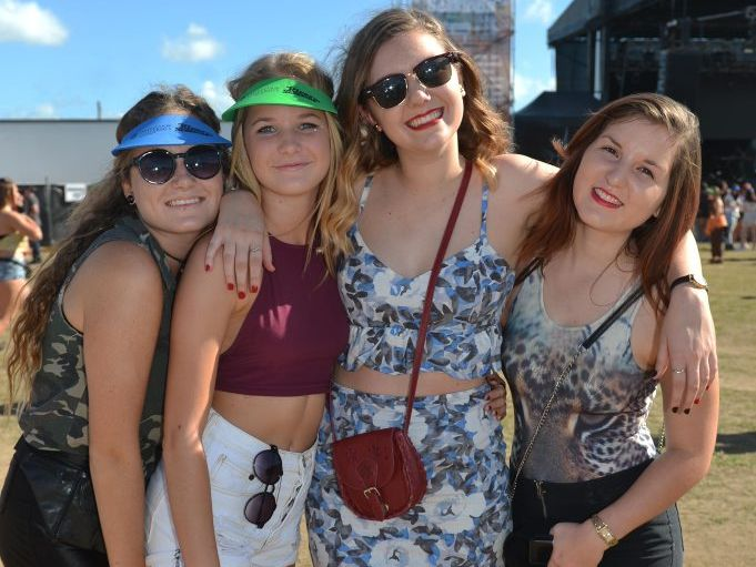 Daisy Stoltz, Phoebe Cooney, Courtney Arnold and Emily Garland at River Sessions. Photo Lee Constable / Daily Mercury
