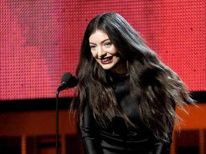 Lorde bothered by ghosts
