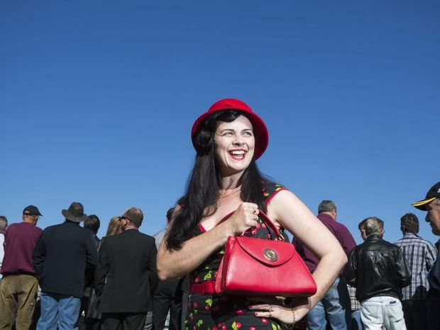 Amanda Essex stands tall above the crowds on Ramornie Day - Amanda will be a guest judge for Fashions on the Field on Grafton Cup Day. Photo: Adam Hourigan / The Daily Examiner