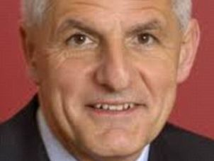 Famous Dutch AIDS researcher Joep Lange has been confirmed as a passenger on #MH17 on his way to Melbourne conference.
