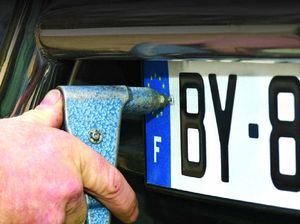 Thieves steal licence plates to hide their identity