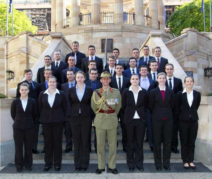 RMC Staff Cadets with Major General Stuart L. Smith, DSC, AM, Commander 1 Division.