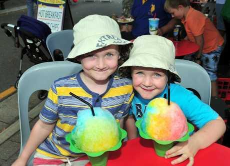 Eumundi Markets Socials./ (L-R) Oscar and Oliver Jones of Brisbane. Photo Geoff Potter / Noosa News