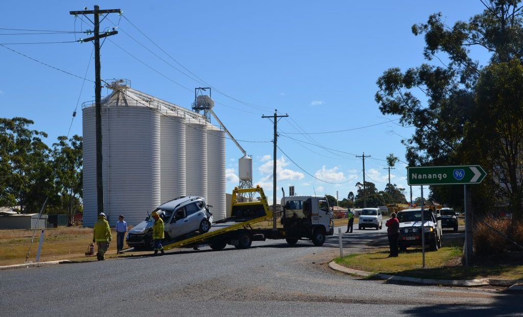 A three car collision has occured in an intersection in Kingaroy.