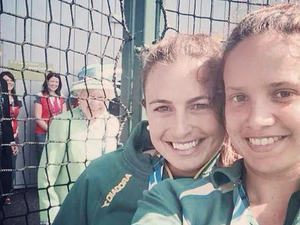 Hockeyroos reveal how they got Queen in their selfie