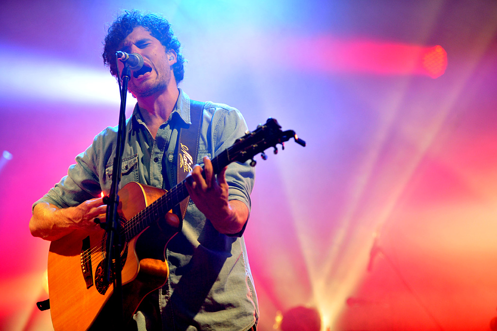 Vance Joy performing at Splendour in the Grass.