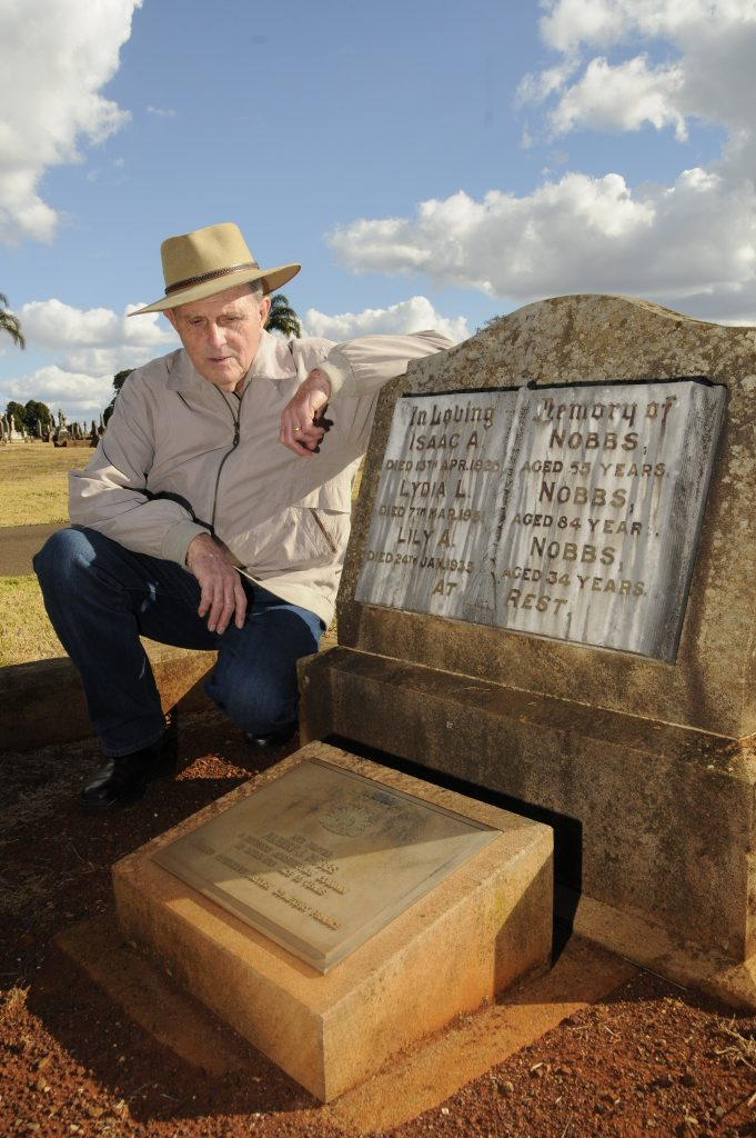 Historian Peter Cullen will lead special tours of the Toowoomba and Drayton Cemetery this weekend as part of 100-year commemorations of the start of the First World War.
