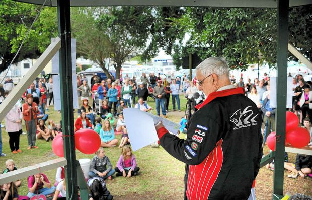 STRONG SUPPORT: Speaker Bill Day at the Maclean Pool Rally at Cameron Park to save ousted pool managers Robyn and John Clarke's yesterday. Photos: Leigh Jensen