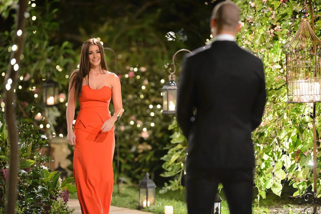 Coolum's Lisa Hyde arrives to meet The Bachelor Blake Garvey. Supplied by Network Ten.
