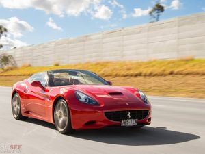Spectacular 2009 Ferrari California drop-top