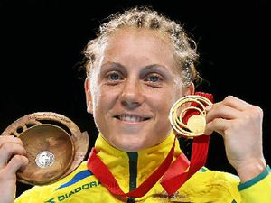 Shelley Watts makes Commonwealth Games boxing history