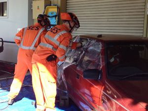 SES demonstrate the Jaws of Life