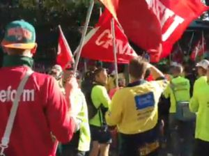 CFMEU members protest Courier Mail reporting