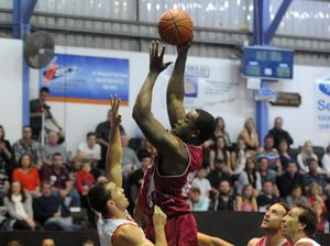 Off court action keeps Shak in Bundy for another year