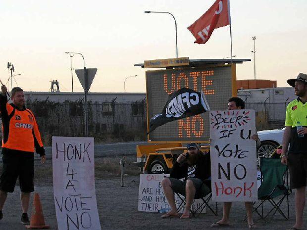 CFMEU protestors at the Port Curtis site taking industrial action against Bechtel.