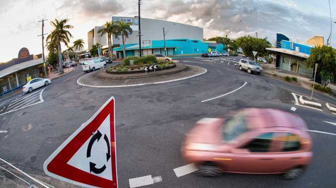 The roundabout at the intersection of Harbour Dr and Gordon St in Coffs Harbour. Photo: Trevor Veale / Coffs Coast Advocate