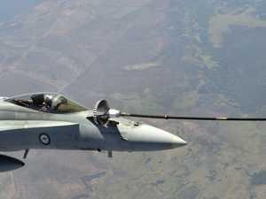 FA/18 mid-air refuel