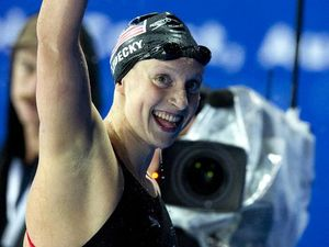 Ledecky takes gold in the 400m freestyle