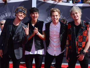 5 Seconds of Summer lads deliver Aussie win at MTV VMAs