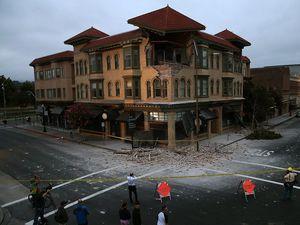 San Francisco rumbles through worst quake since 1989