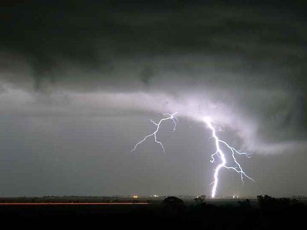 Lightning bolt strikes Clifton at 10.23pm