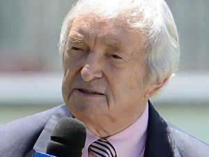 After long, hot innings, Richie Benaud has skin cancer