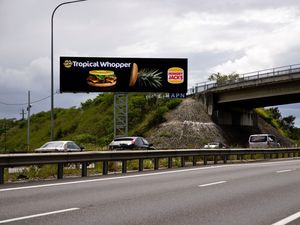 RACQ eases its opposition to electronic billboards on roads