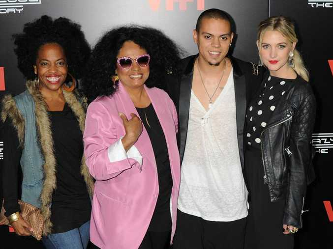 Rhonda, Diana, and Evan Ross and Ashlee Simpson.