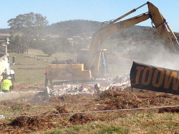 Demolition of the Glenvale eyesore.