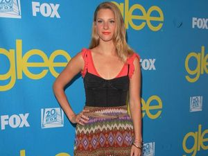 "Glee star wants ""huge"" wedding reception"