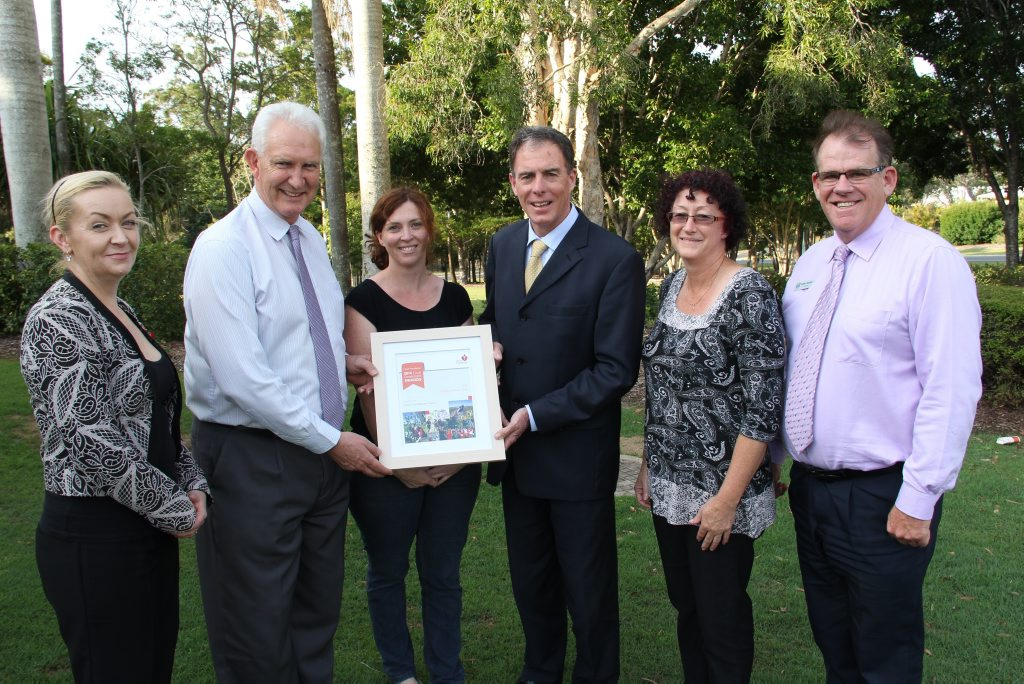 Heart Foundation staff met with members of the Fraser Coast Regional Council to award them with the 2014 Heart Foundation Local Government Award.