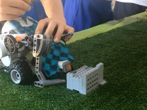 Kids learn about robotics in school project