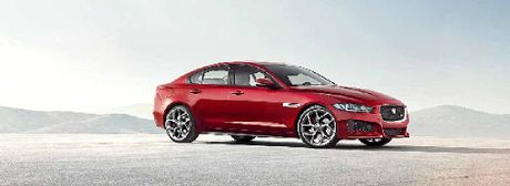 Coupe-esque styling for Jag's new XE