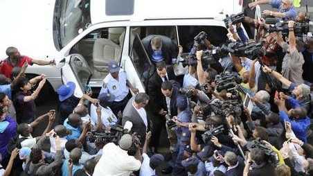 Oscar Pistorius arrives at the Pretoria High Court