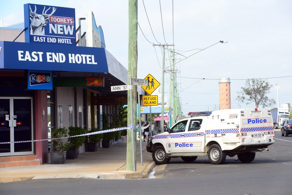 ARMED ROBBERY: Police investigate an armed robbery at the East End Hotel which occured in the early hours of Friday morning, 12 September 2014. Photo: Max Fleet / NewsMail