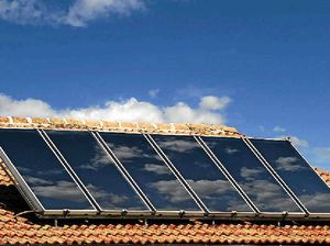 Solar firms tell Abbott to keep renewable energy target