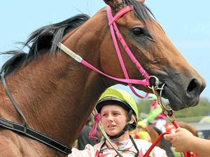 Kaylee, Single Spirit stave off rivals in Cup