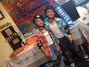 Britney Spears throws party for sons